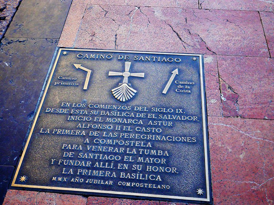 Placa del Camino Primitivo a Santiago de Compostela