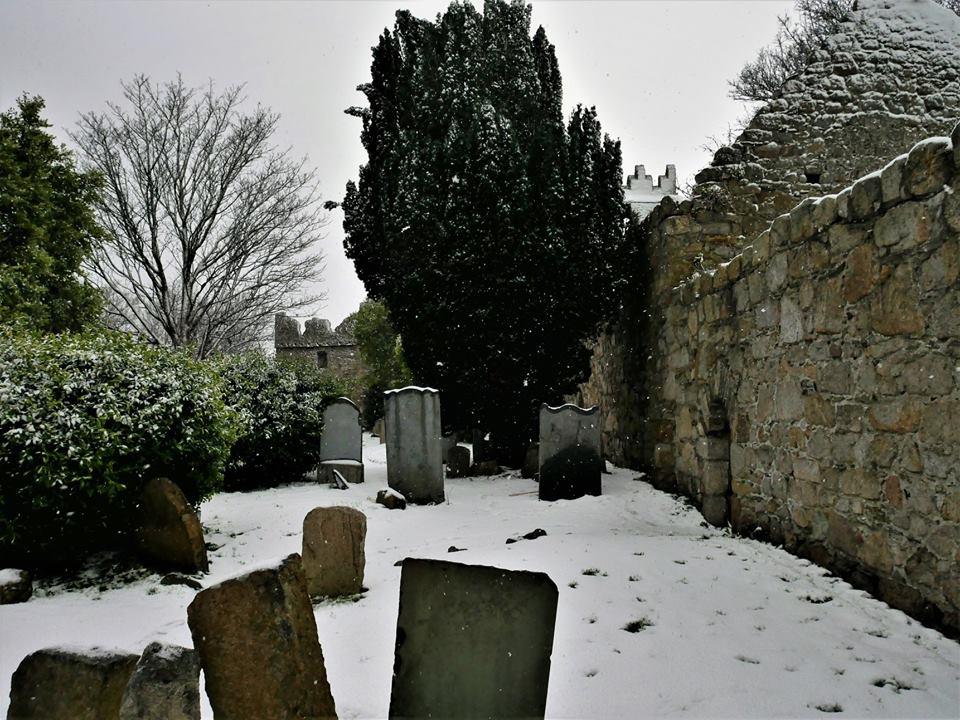 Iglesia y cementerio de St-Begnet´s