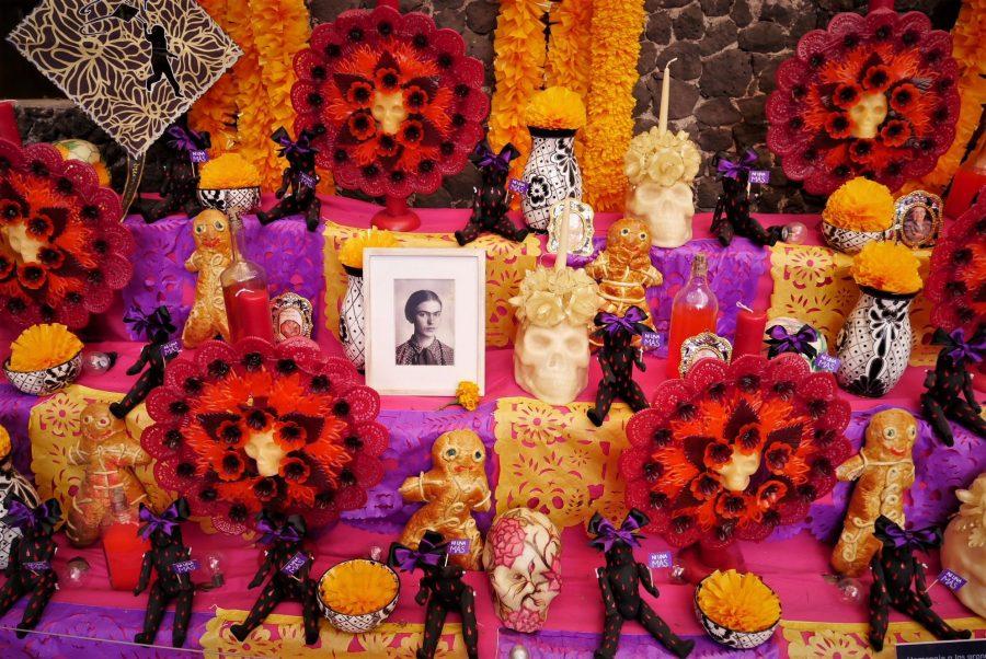 Altar por el Día de los Muertos en la Casa de Frida Kahlo