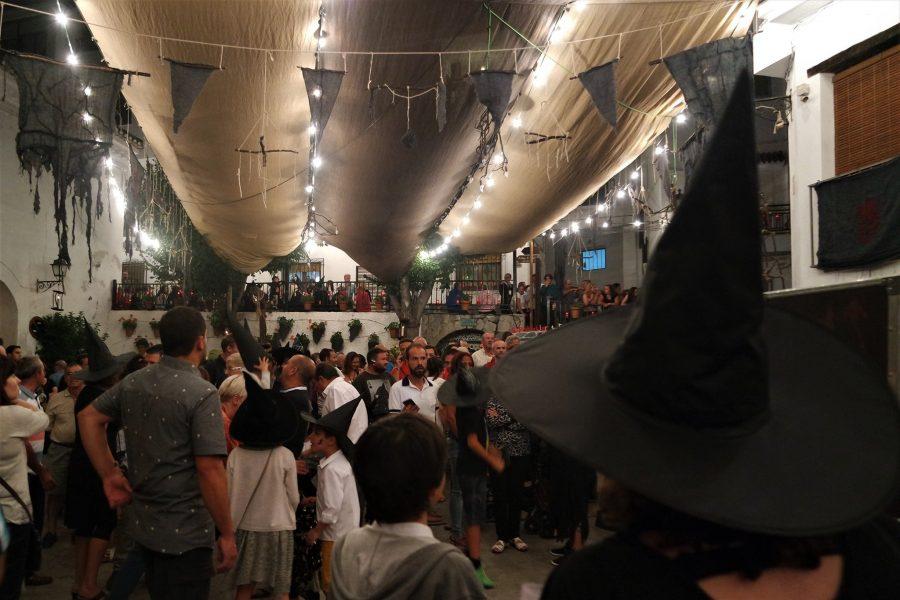 Ambiente durante la Feria del Embrujo en Soportújar