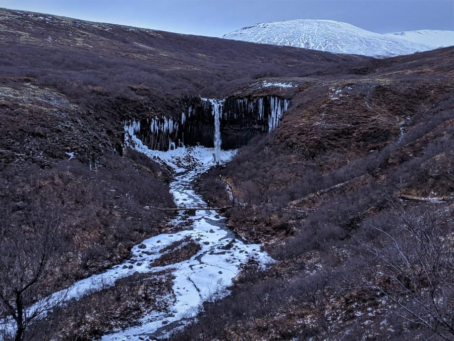 Cascada de Svartifoss, qué ver en Islandia en invierno