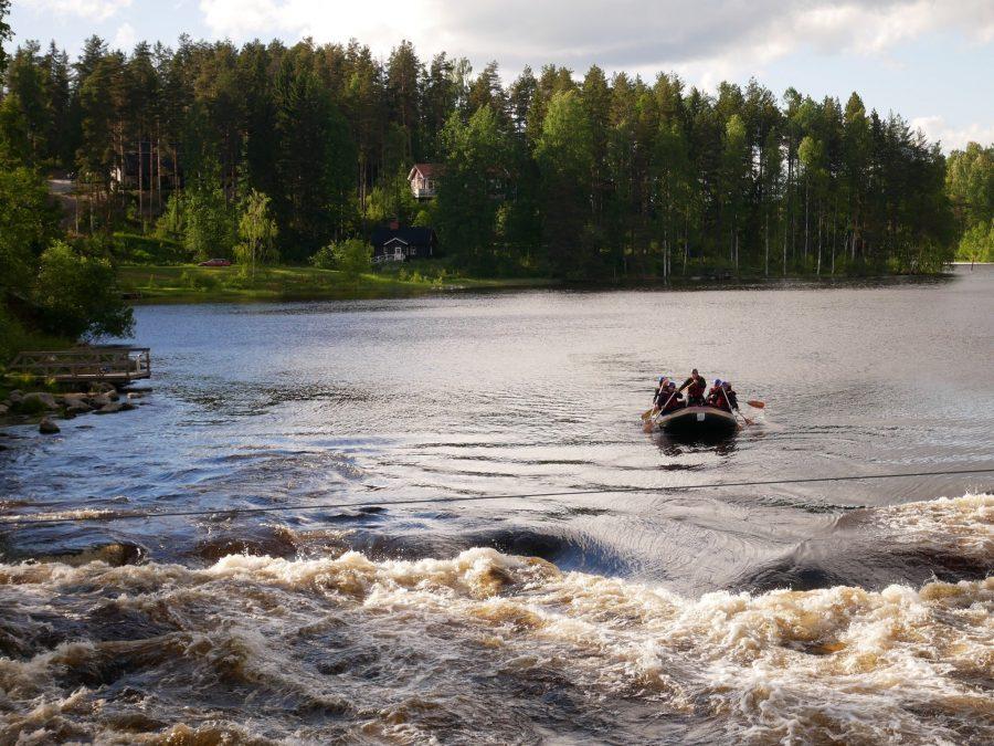 Rafting en los lagos de Finlandia