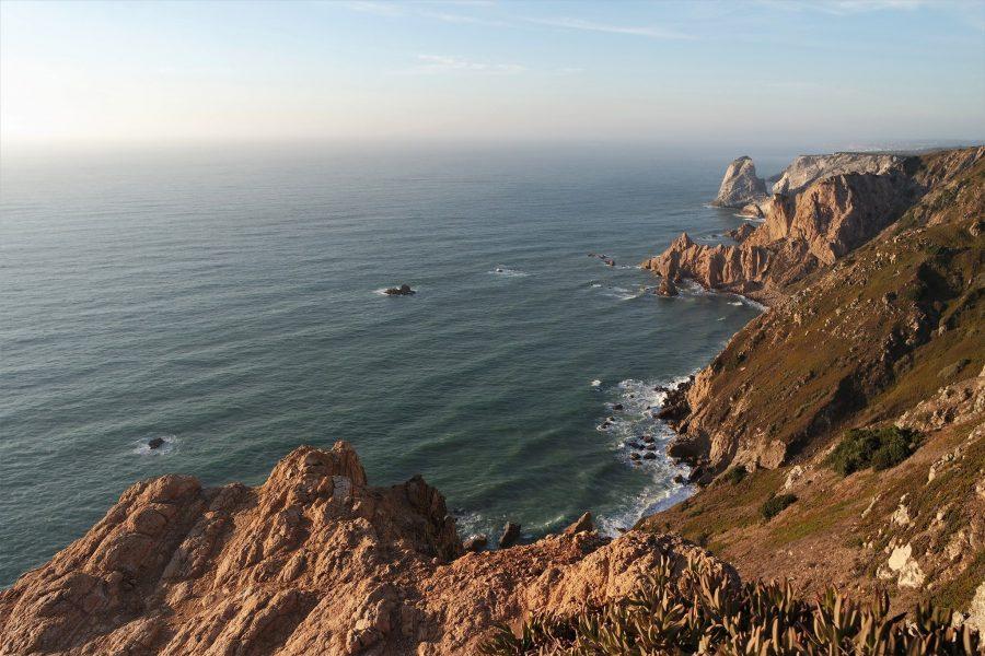 El paisaje escarpado de la costa atlántica