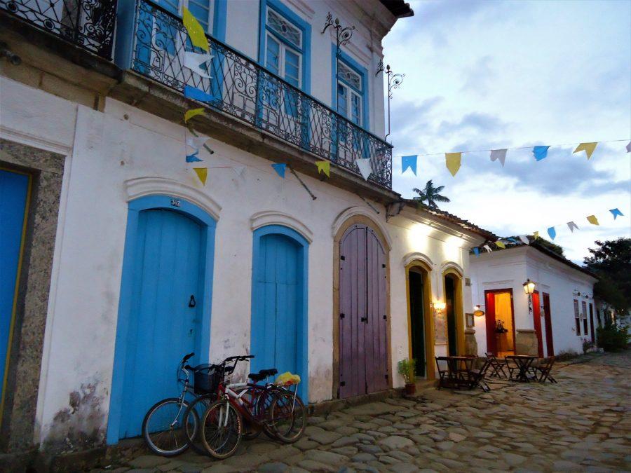 El pueblo portugués de Paraty en la Costa Verde de Brasil