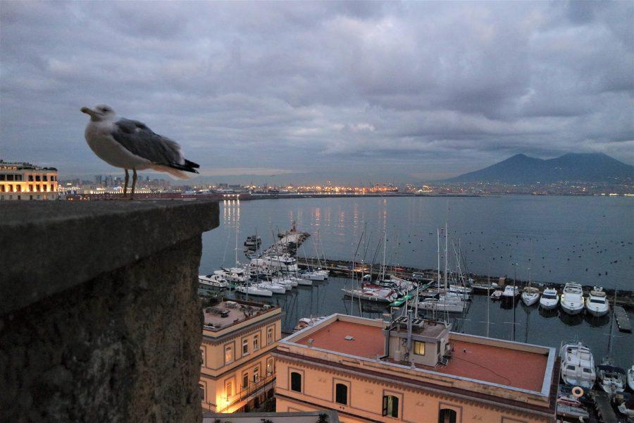 Vistas del Vesubio y el golfo de Nápoles desde el castillo del Huevo