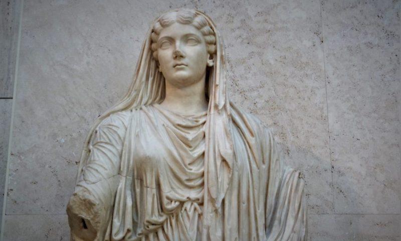Escultura de Livia, obras imprescindibles del Museo Arqueológico Nacional en Madrid