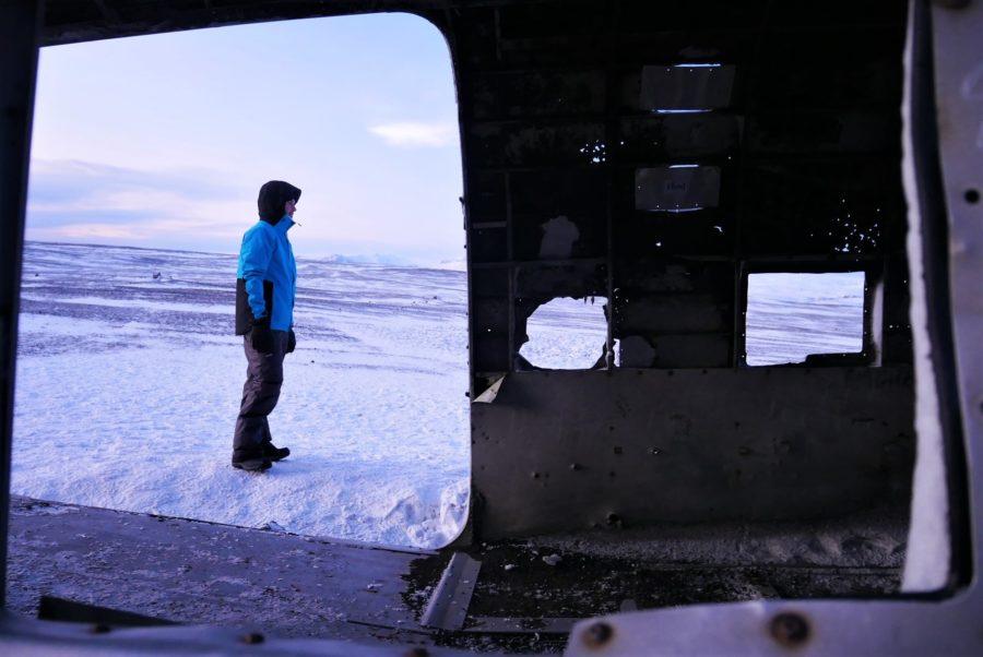 Interior del avión abandonado de Islandia