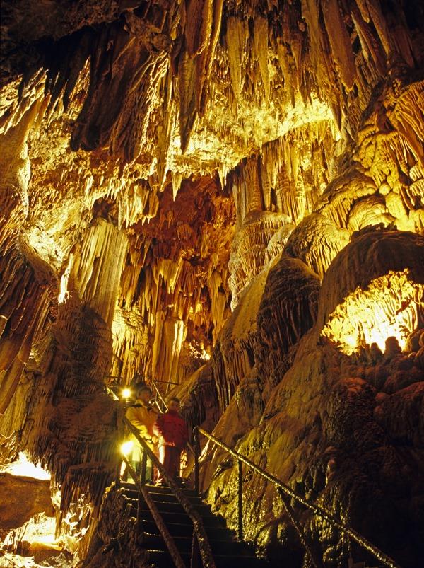 Sala Pequeñas Maravillas, Cueva de Valporquero