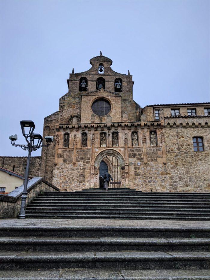 Escalinata a San Salvador de Oña