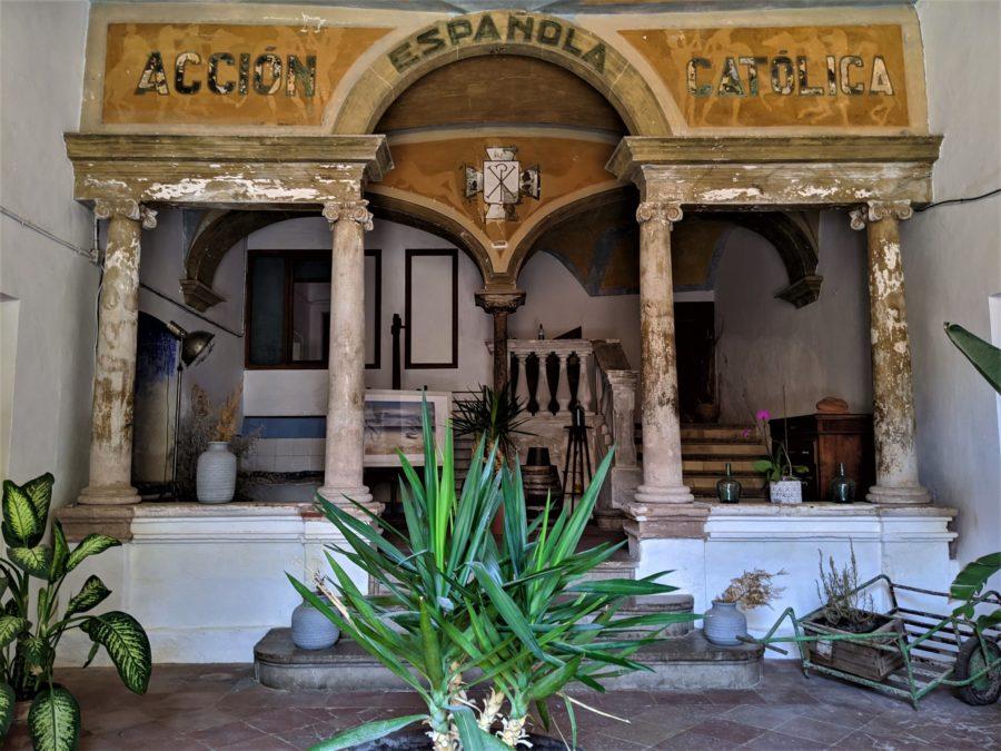 Alojamiento en la Costa Brava, casona histórica