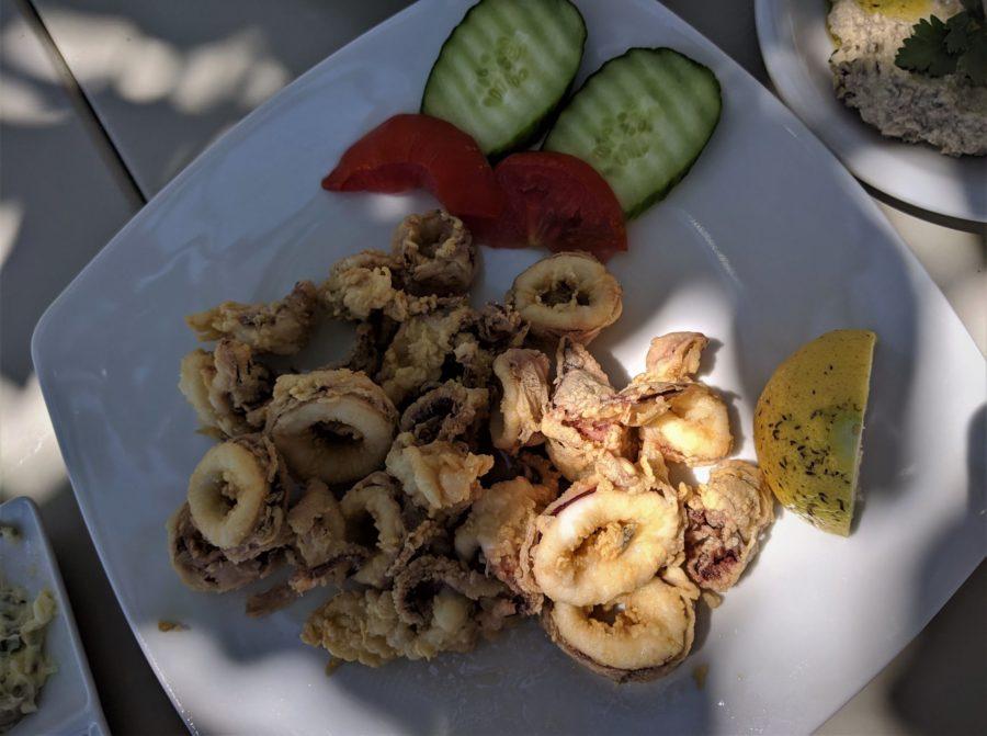 Calamares en las islas Cícladas, gastronomía de Grecia
