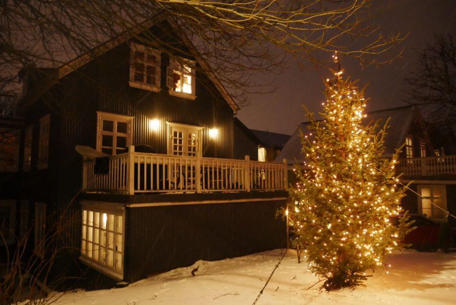 Árbol de Navidad en Reykjavík