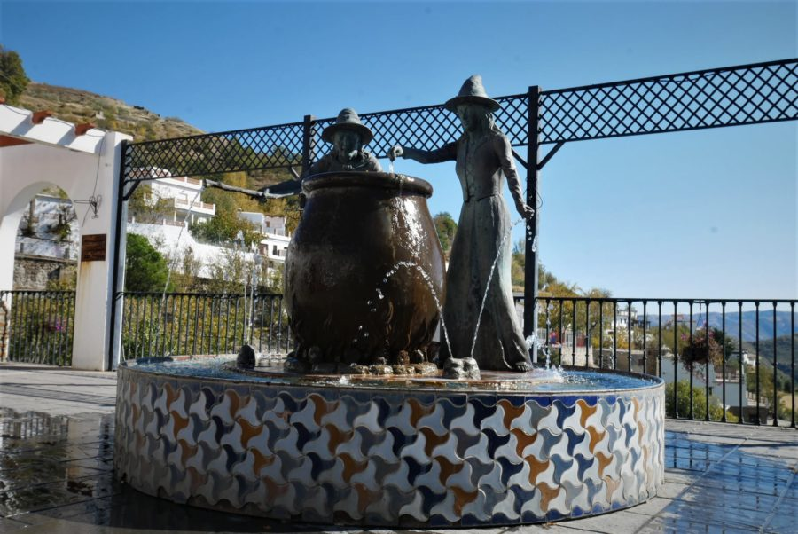Fuente, mirador del Embrujo en Soportújar