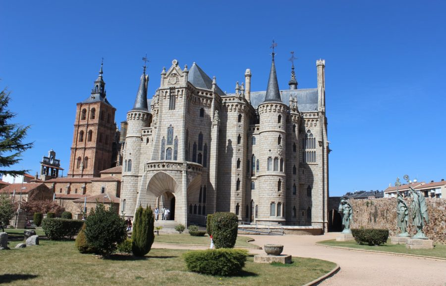 Palacio Episcopal de Astorga, Gaudí