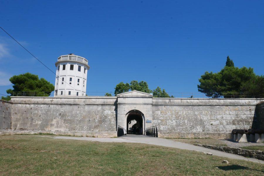 El castillo de Pula
