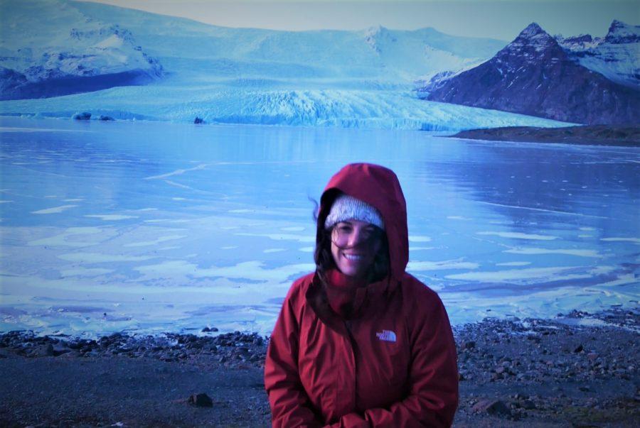 Feliz en los glaciares de Islandia