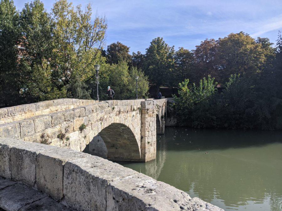 Puente de piedra sobre el río Carrión, Palencia