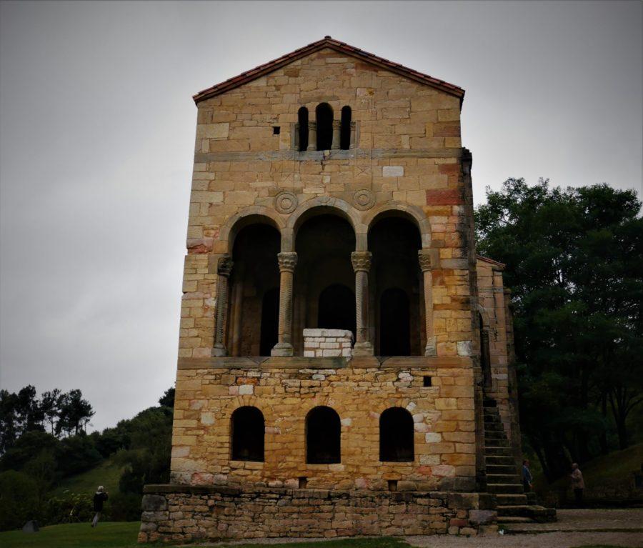 Frontal Santa María del Naranco prerrománico asturiano