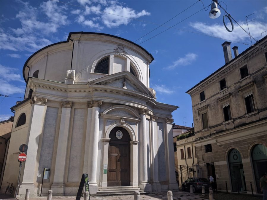 Iglesias en el centro de Treviso