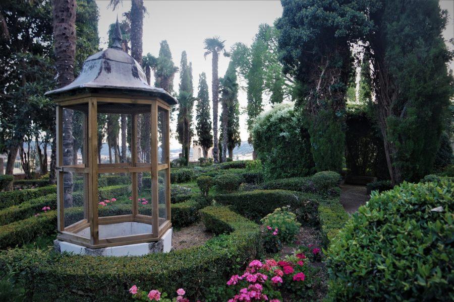 Jardín de la Fábrica en Brihuega, pueblos de La Alcarria