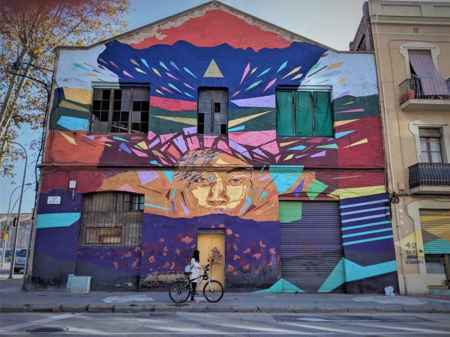 Ruta en bici por los murales del Poblenou en Barcelona
