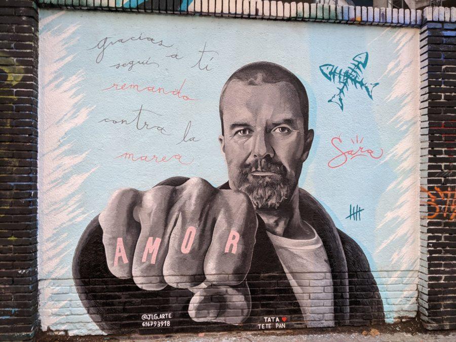 El mural de Pau Donés en el Poblenou