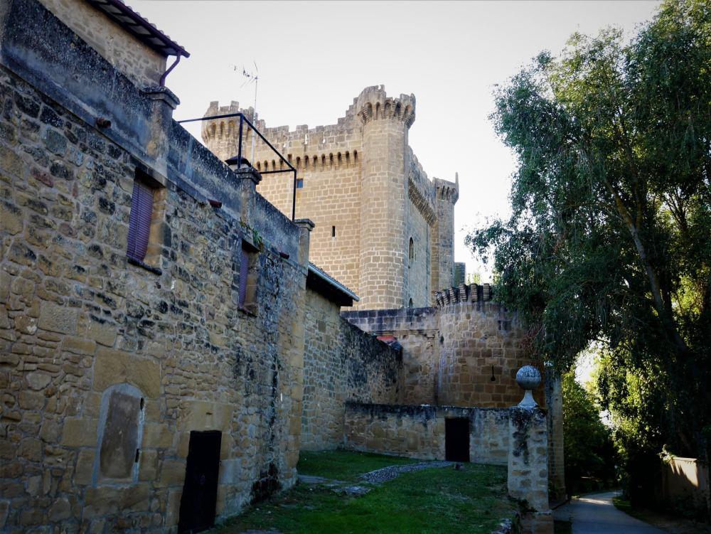 Murallas y castillo, qué ver en Sajazarra, la Rioja Alta