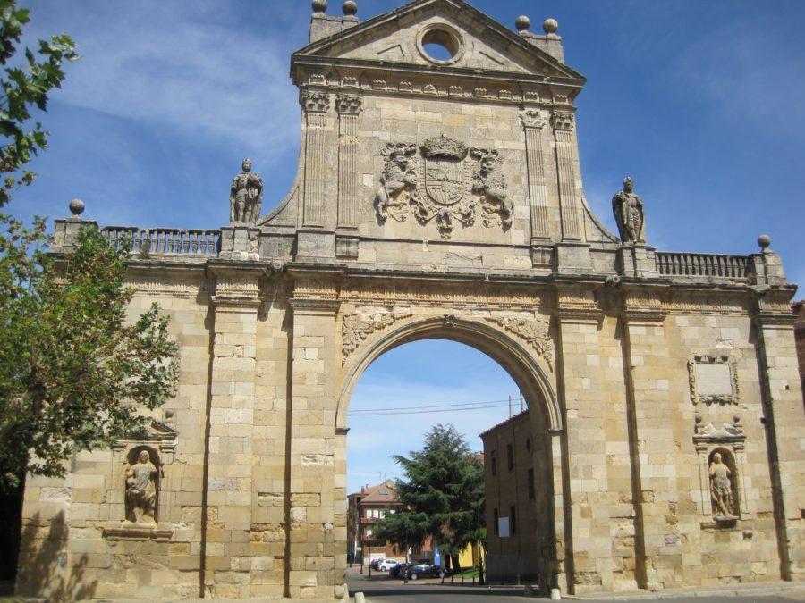 Arco de San Benito, Sahagún