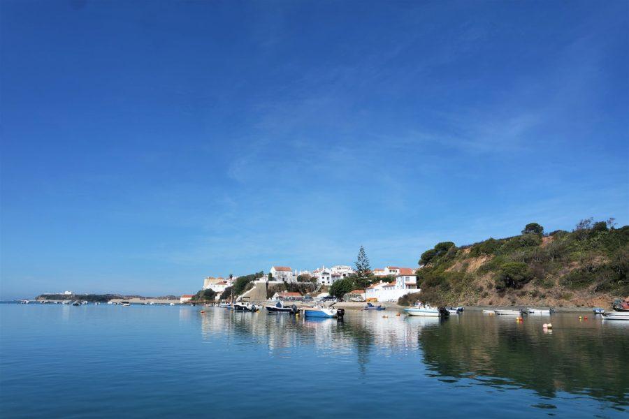 Barcas en Vila Nova de Milfontes, qué ver en el Alentejo