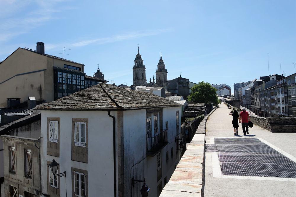 De paseo por la muralla de Lugo
