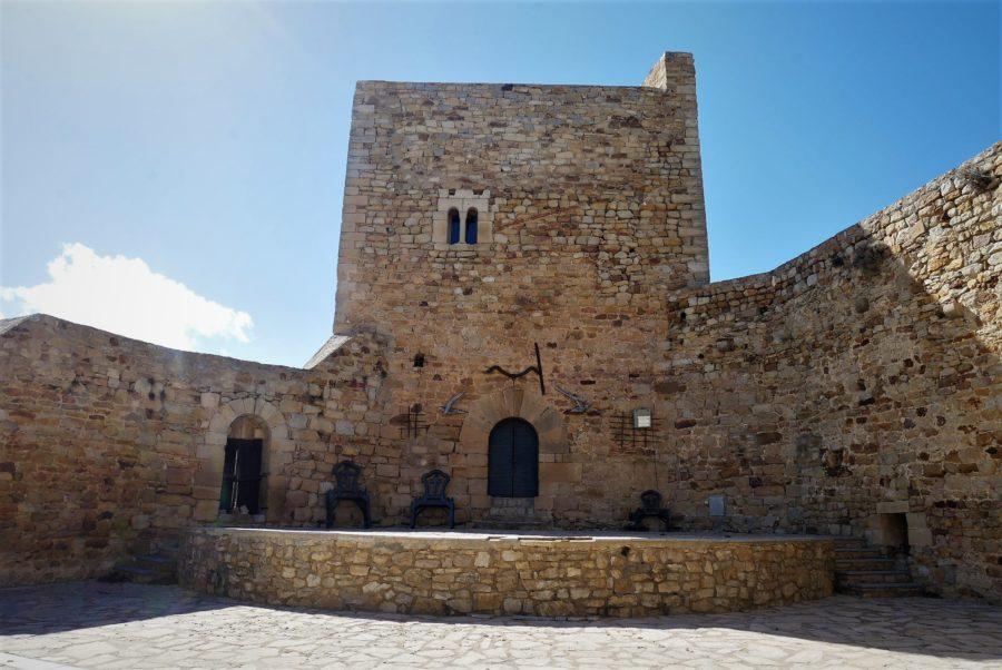 El castillo de Puertomigalvo, uno de los pueblos más bonitos de Teruel