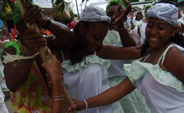 Desfile de comparsas en las fiestas de Palo de Mayo de Bluefields. Foto | Archivo | Germán Miranda | La Costeñísima