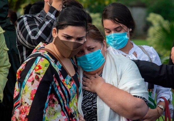La convocatoria a eventos masivos hechos por el gobierno fueron criticadas por organizaciones de médicos y la misma Organización Panamericana de la Salud (OMS). Cortesía