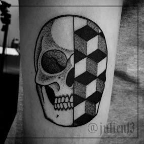 Tatouage crane pattern fait par Julien