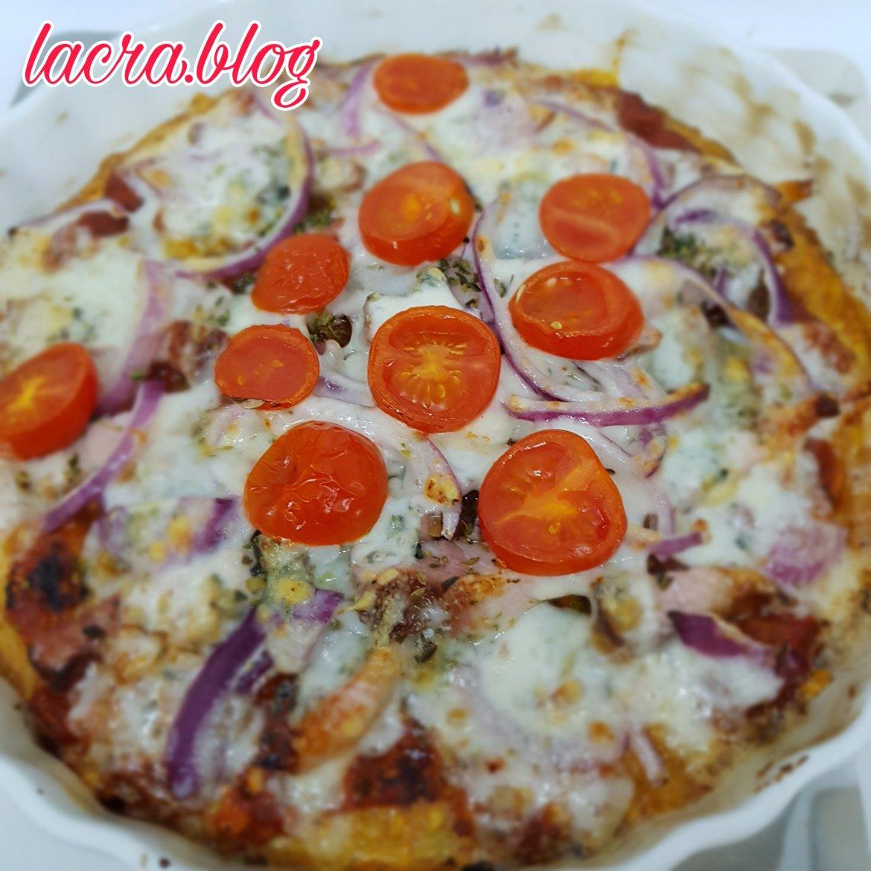 Pizza LCHF cu blat de cașcaval