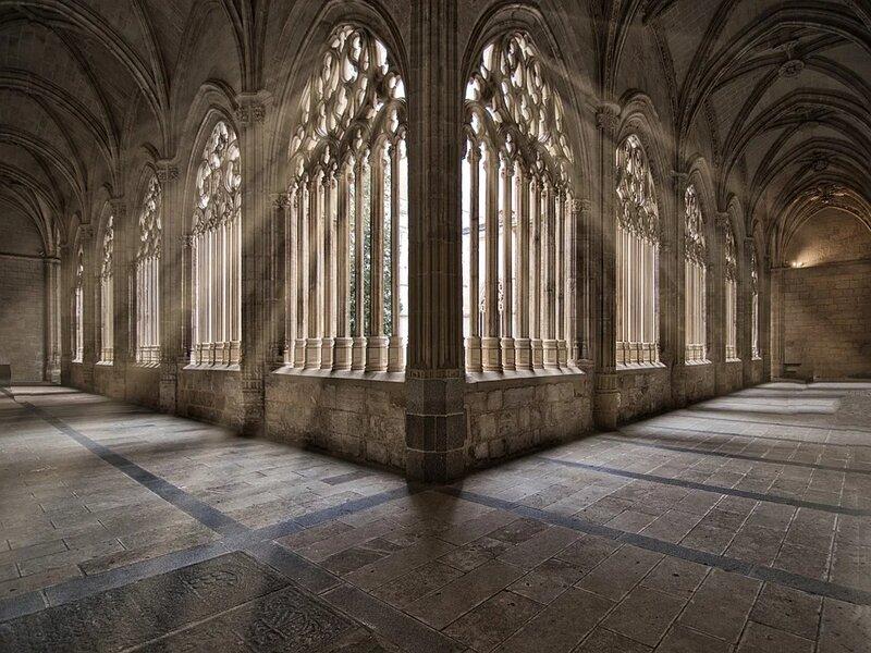 soñar con monasterio