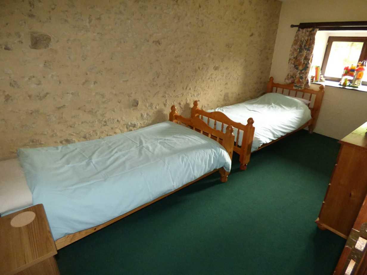 Twin bedroom, Baudelaire