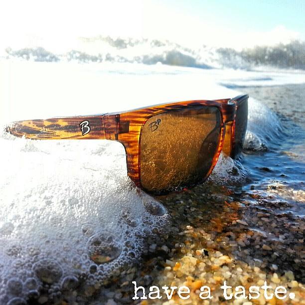 Giveaway: Premium Italian Polarized Sunglasses by Brody Flow