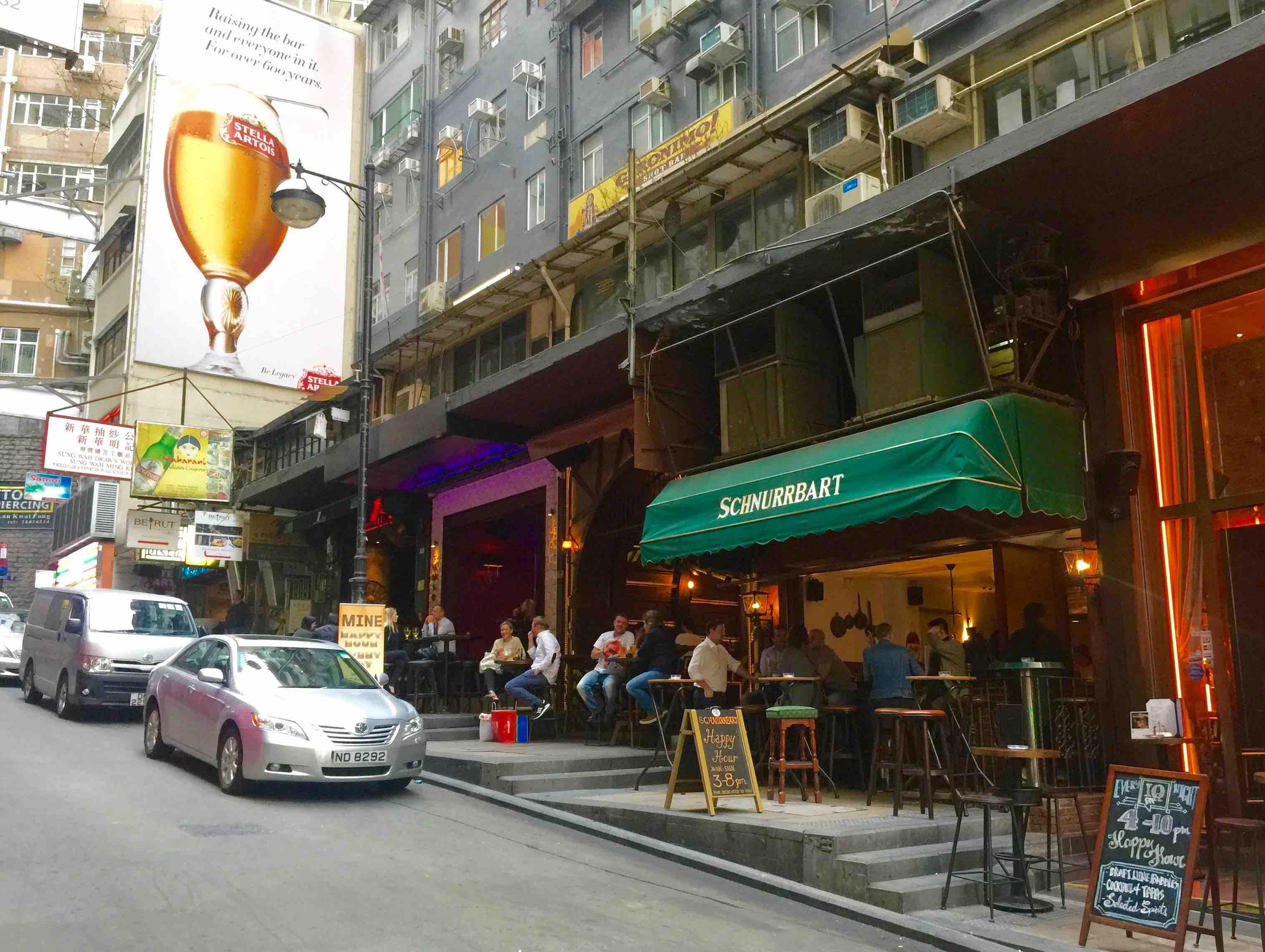 Wyndham Street_extension of bar street from Lan Kwai Fong