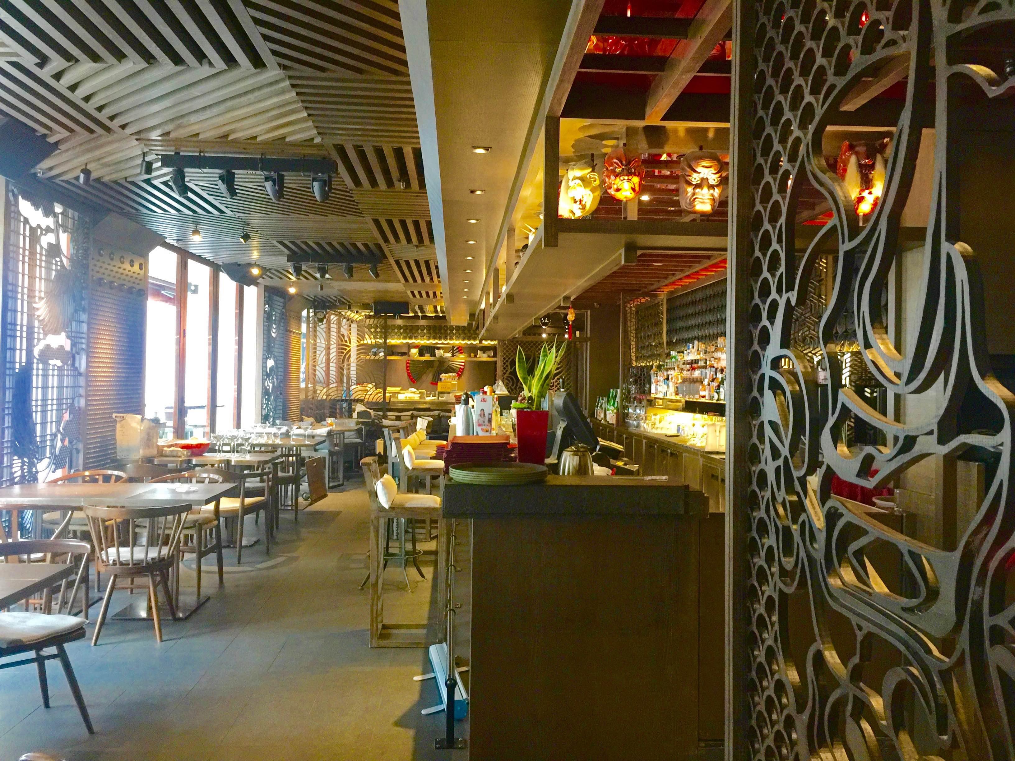 Fitted restaurant bar in Central for Lease Surrender