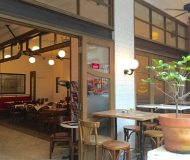 Open seating F&B Shop Lease in Central