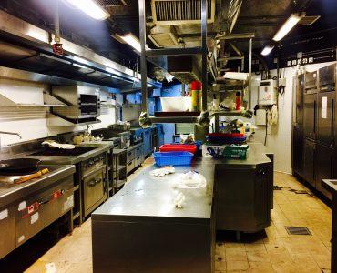Causeway Bay full kitchen restaurant ready move in