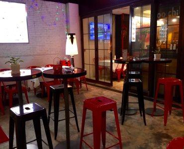 Alfresco seating bar restaurant for Lease in Sai Ying Pun Hong Kong