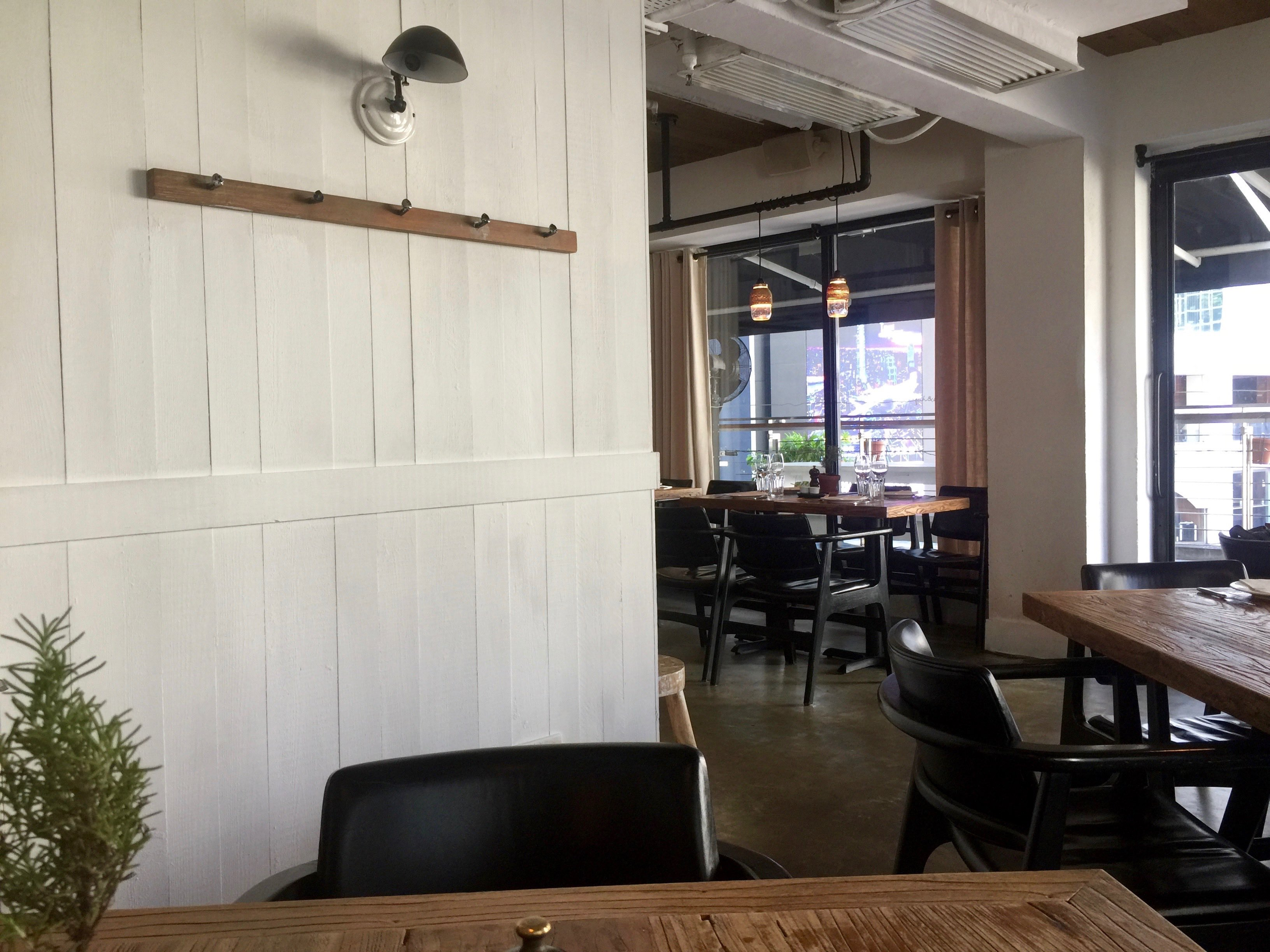 HK Central Wyndham Street turnkey restaurant for Lease with licence