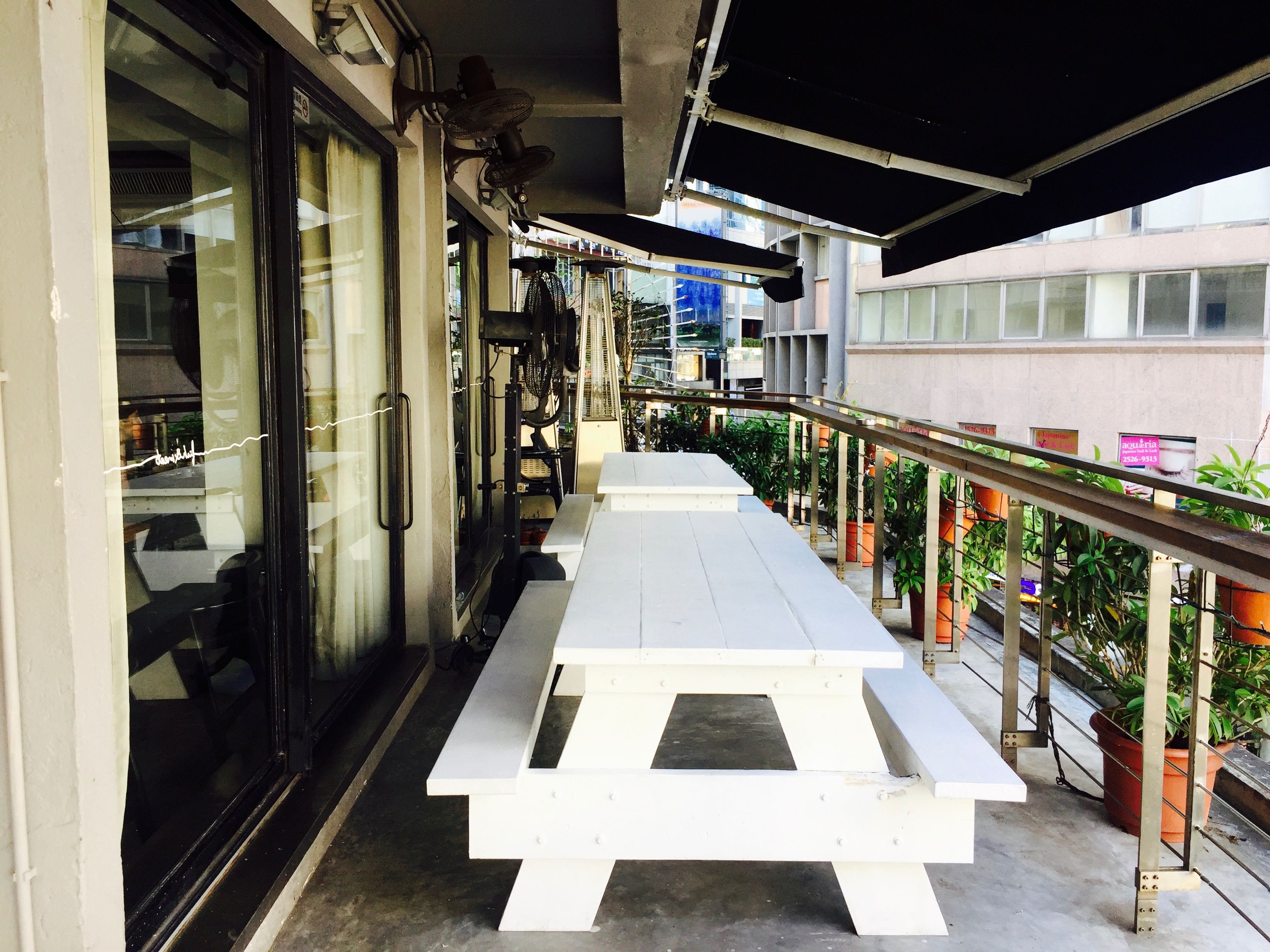 HK Central restaurant for lease with spacious terrace