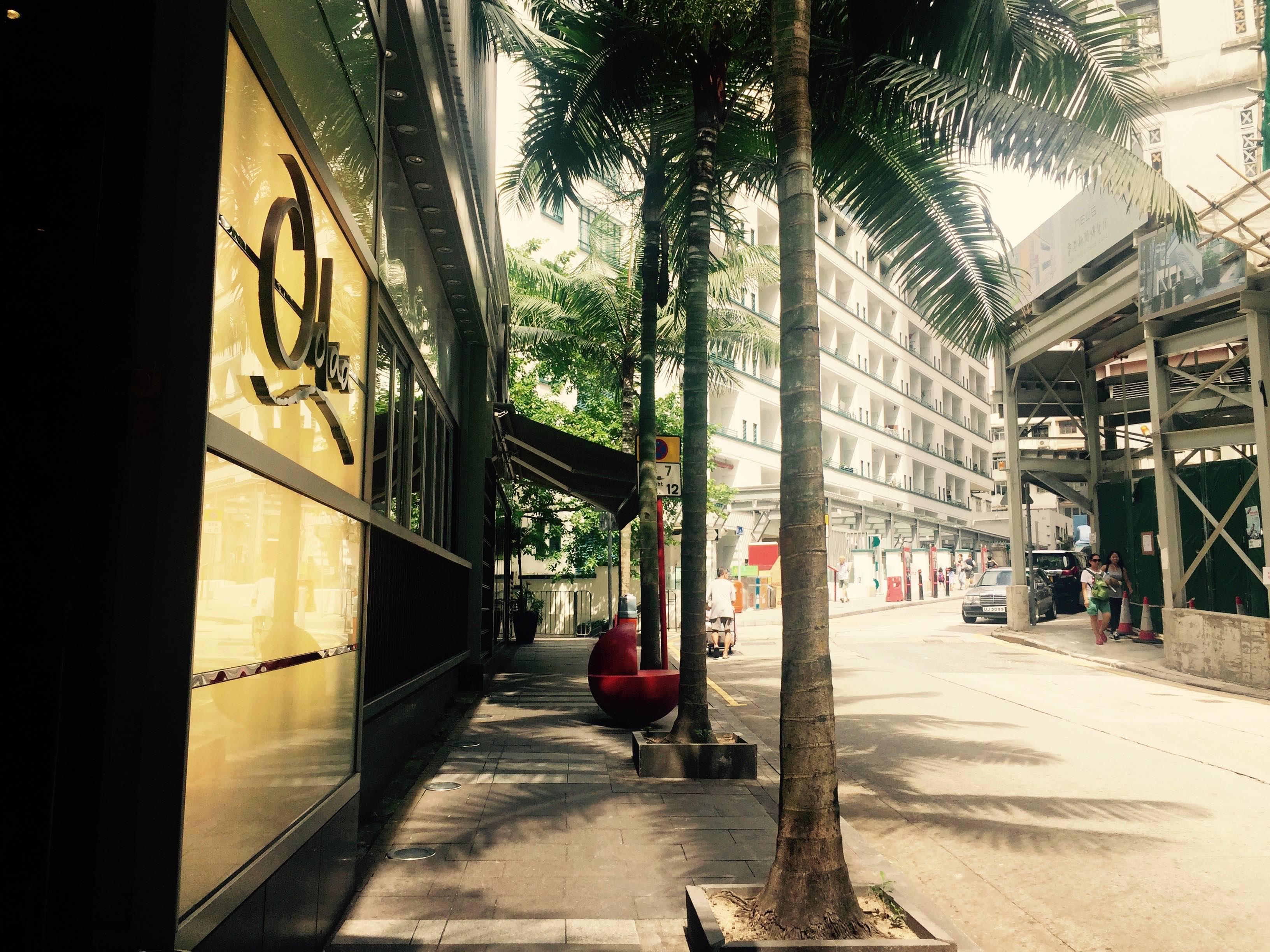 HK Sheung Wan Bridges Street relaxing dining environment close to Soho Central