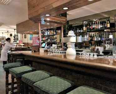 Hong Kong Central Lan Kwai Fong Fitted Restaurant Bar with Licence for Sale with Long Lease