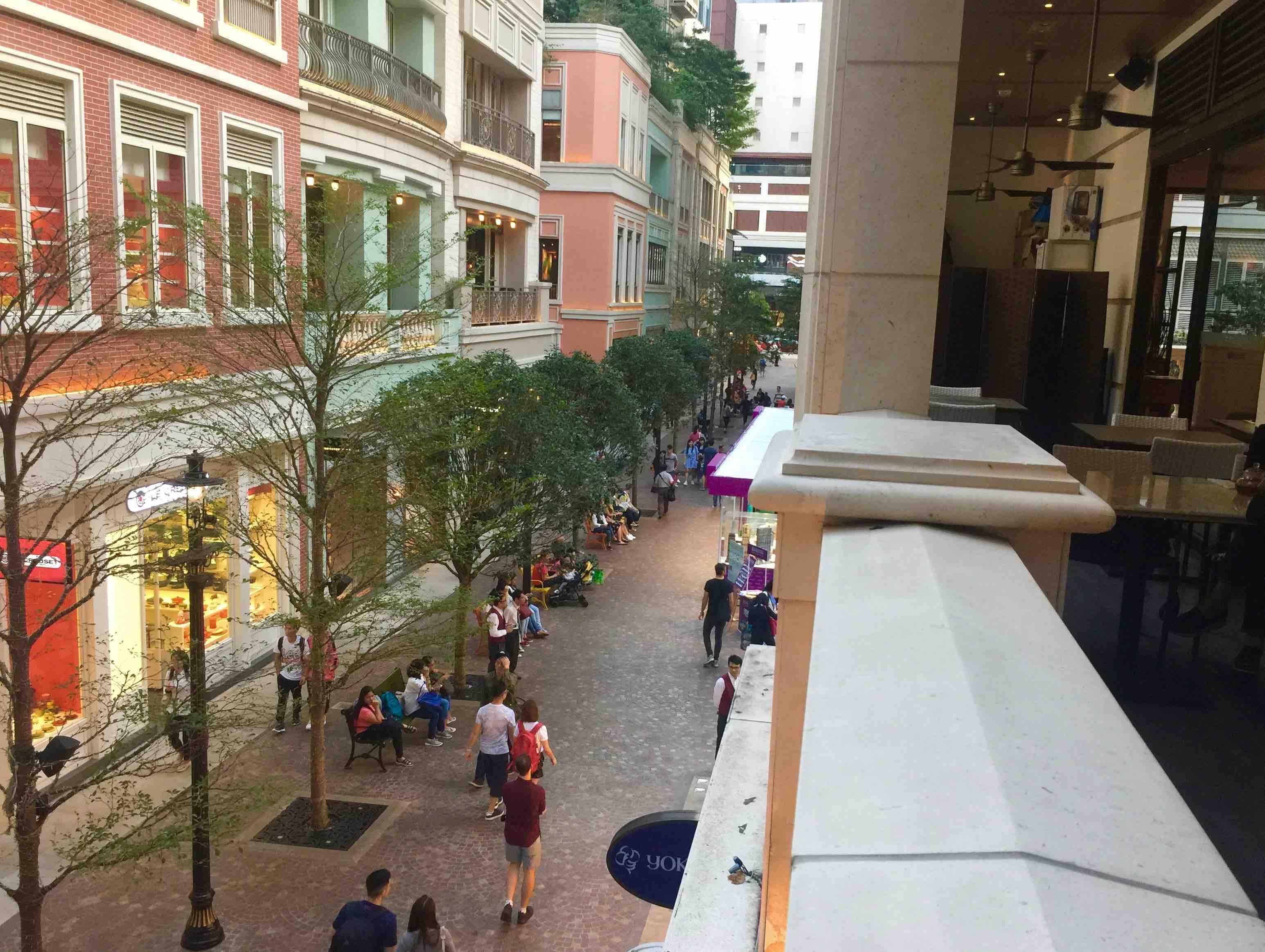 HK Wan Chai Balcony Restaurant Space for Rent