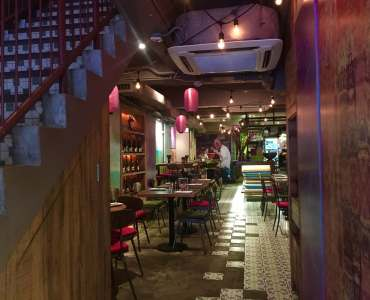 HK Central Soho Fitted Bar Restaurant for Sale with Lease