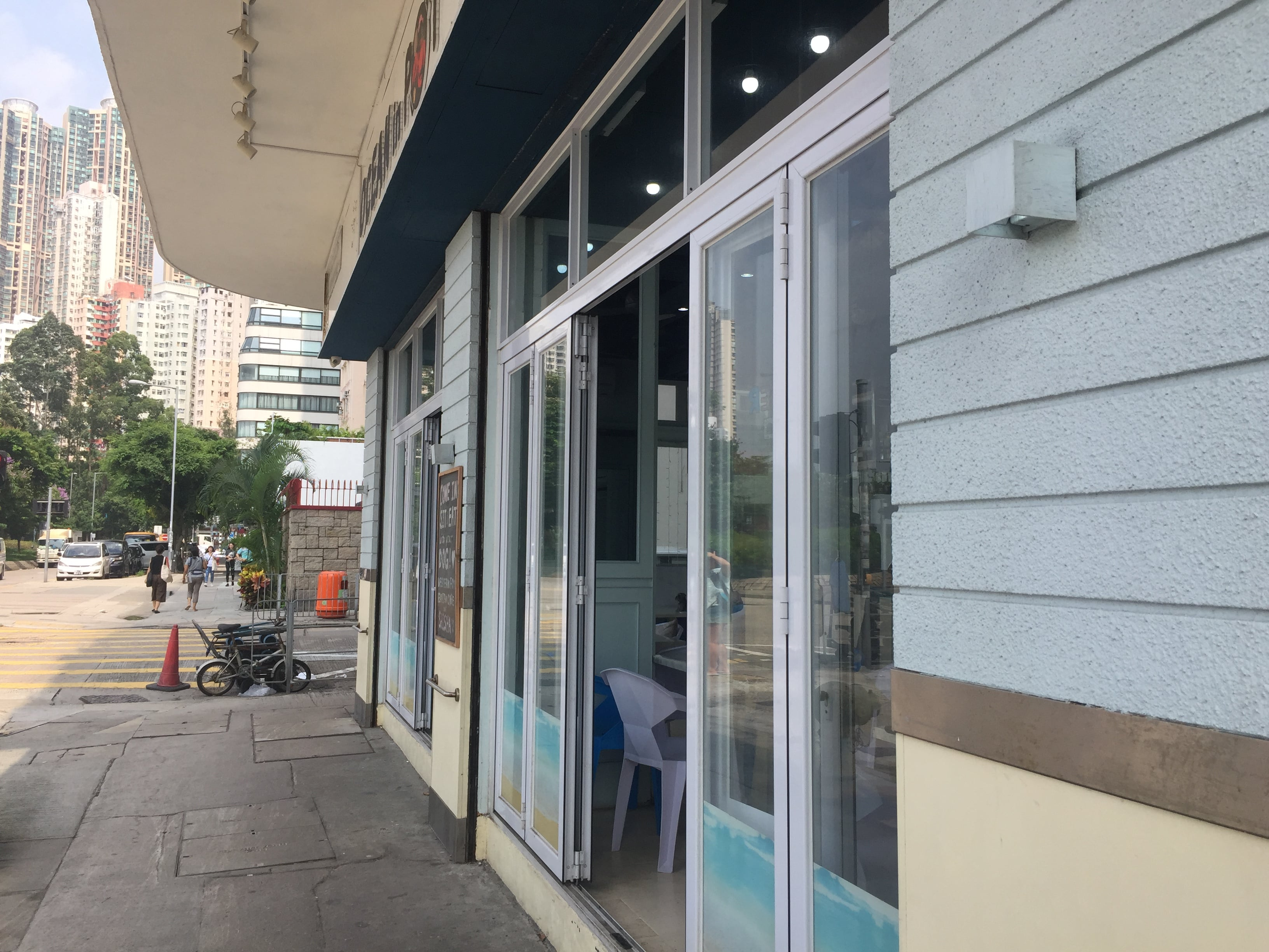 Seaside Restaurant for Sale with Lease in Kennedy Town HK